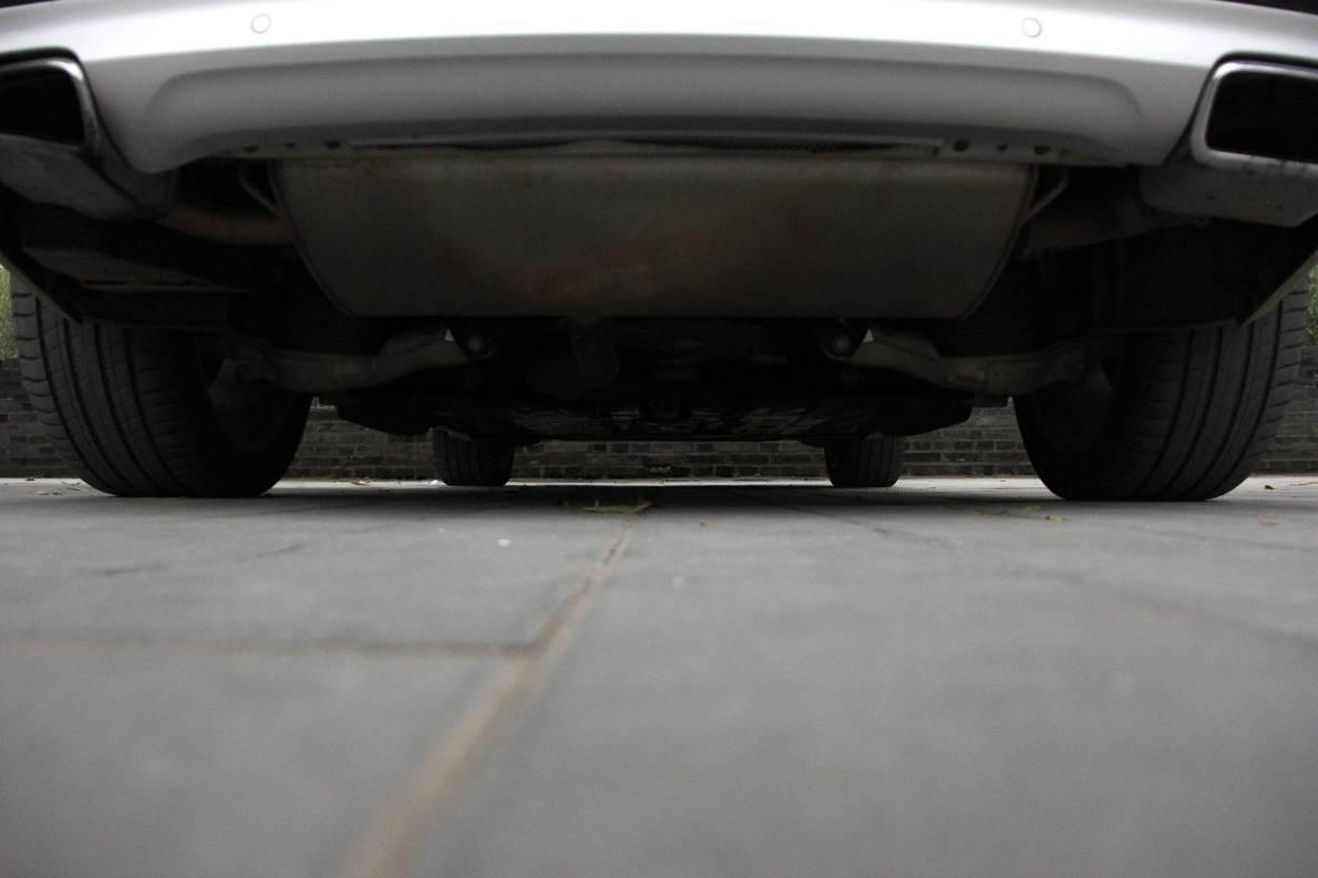 2016款 沃尔沃XC90 T8智尊(E驱混动)版 玛瑙黑 实拍 动力底盘