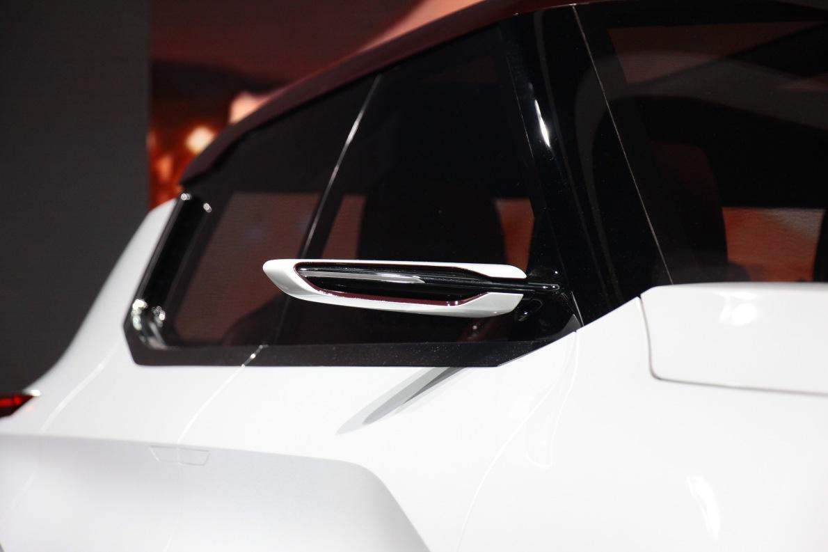 2017款三菱GT-PHEV