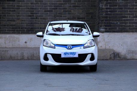 2017款 长安 奔奔 180公里 北京特供版 星辰白 实拍 外观
