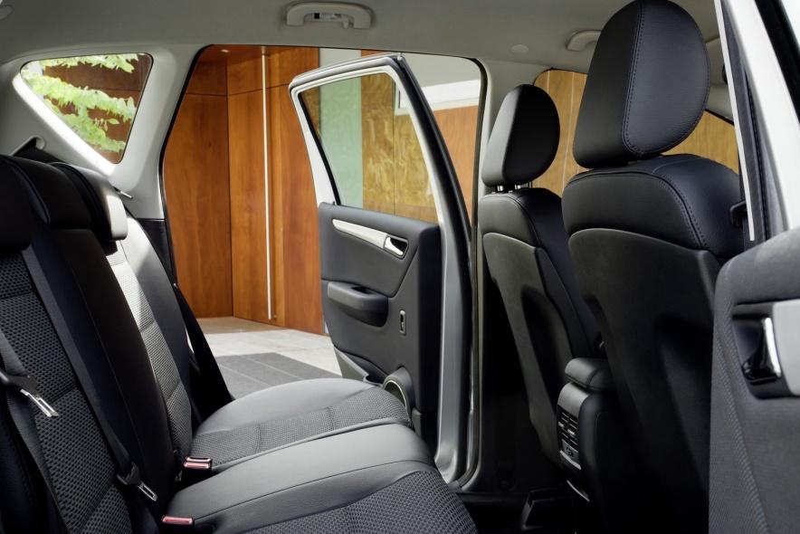 2011款 奔驰 A级 E-Cell 官图 座椅空间