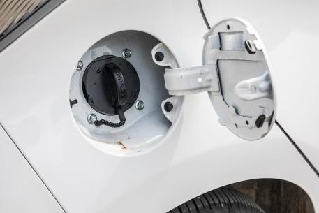 2018款 长安 奔奔 EV260 豪华型 白色 实拍 充电