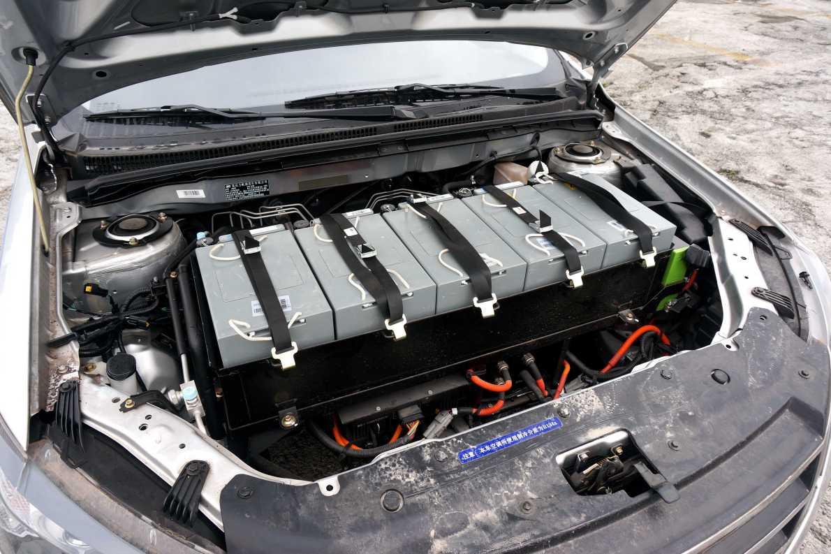 2015款 力帆 620 EV升级 换电版 北海银 实拍 动力底盘