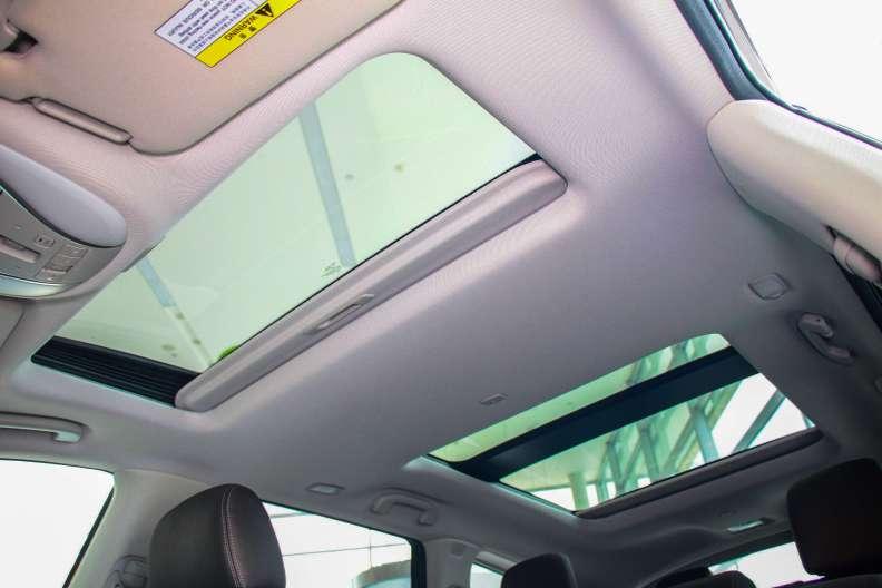 2016款 英菲尼迪 QX60 Hybrid 卓越版 琉璃黑 实拍 座椅空间
