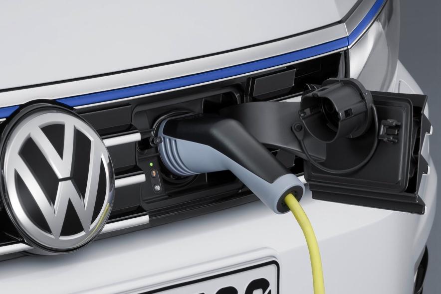 2015款 大众Passat GTE 官图 充电