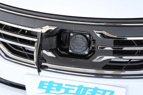 2018款 一汽奔腾 B30 EV 基本型 实拍 充电