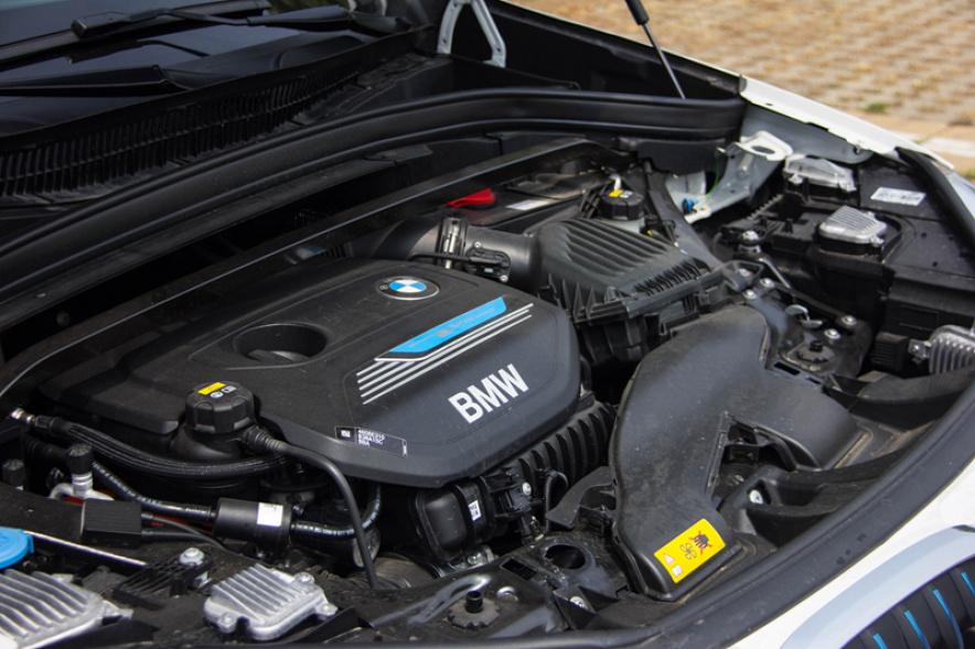 2018款 宝马 X1 PHEV xDrive 25Le 矿石白 实拍 动力底盘