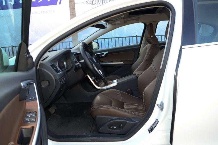 S60L 座椅空间