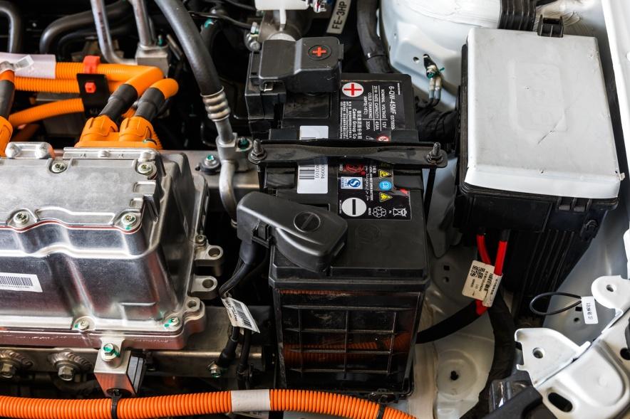 2018款 吉利 帝豪 EV450 尊贵型 冰晶白 实拍 动力底盘