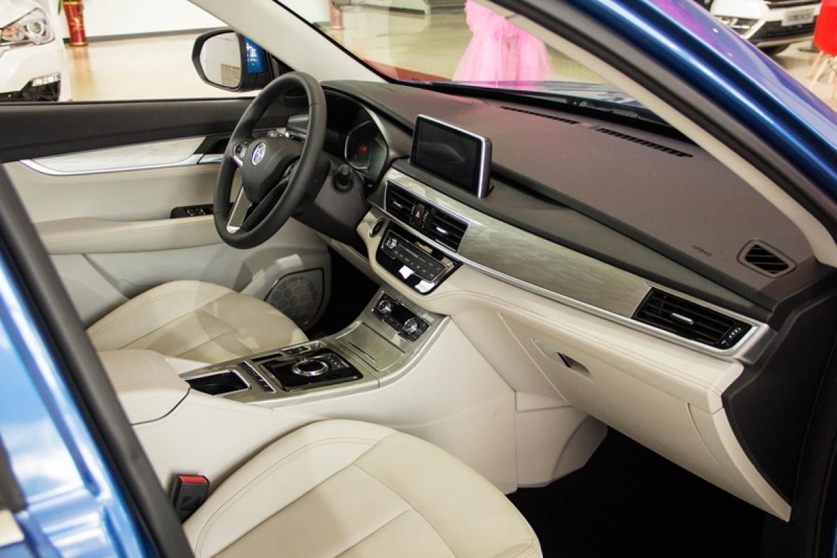 2018款 汉腾 X5 EV 基本型 实拍 座椅空间