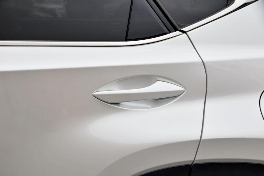 2018款 雷克萨斯 NX 300h 锋致版 超音速石英白
