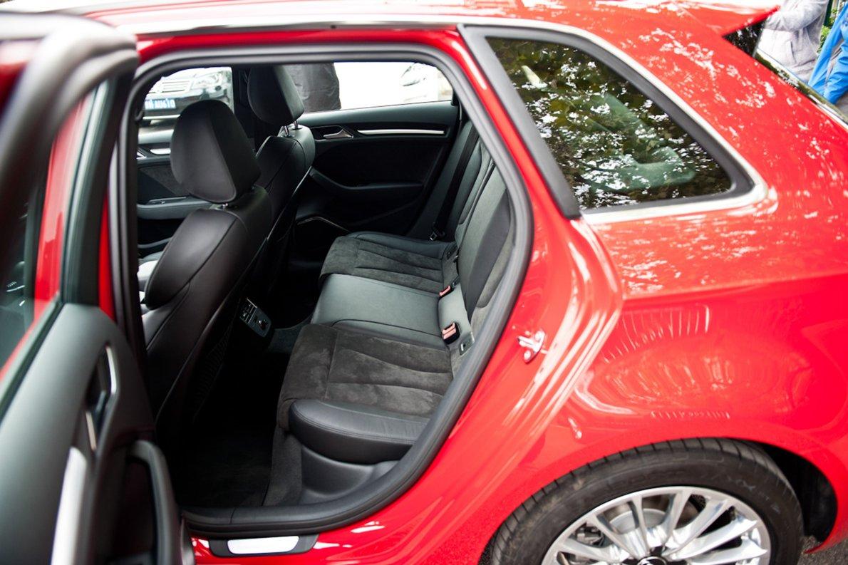 2015款 奥迪A3 e-tron 运动型 座椅空间