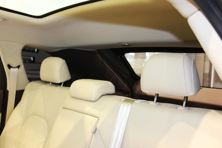 2018款 奇点汽车 iS6 基本型 实拍 座椅空间