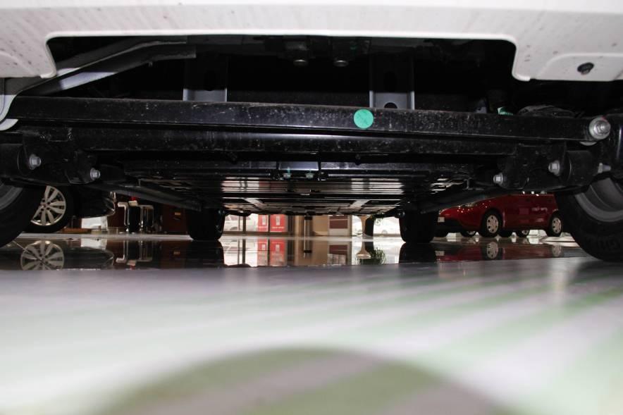2013款荣威E50 标准型