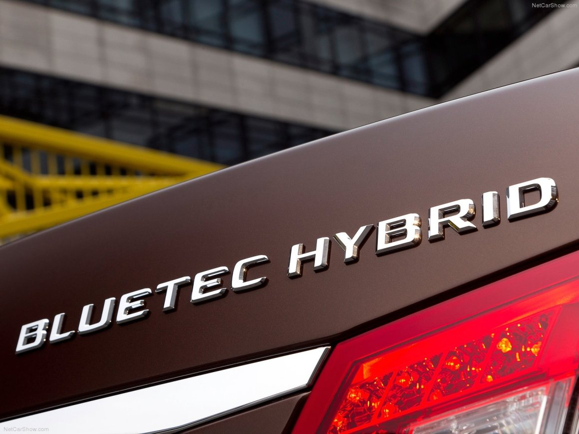 2013款 奔驰 E级(进口)E300 BlueTEC Hybrid 官图 外观细节
