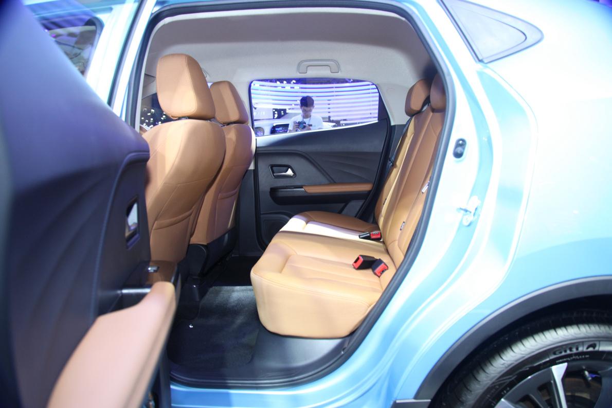 2018款 欧拉 iQ 车展 座椅空间