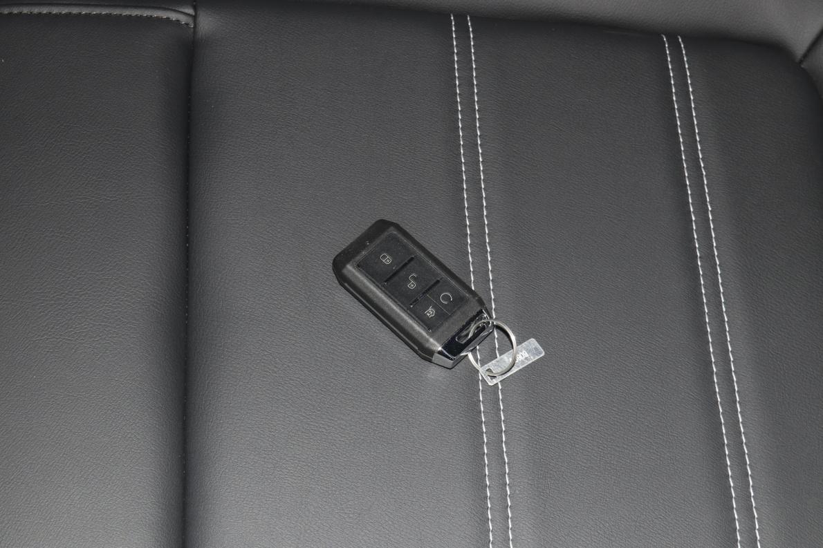 2020款 比亚迪e3 标准续航版 舒适型