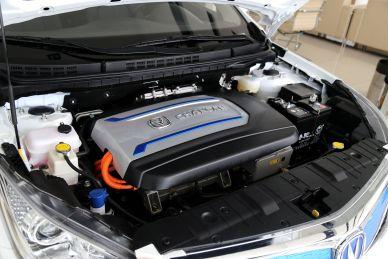 2016款 逸动EV 豪华型 雪域白 实拍 动力底盘