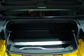 2018 ARCFOX LITE 特别版 暖萌黄白 车展 座椅空间