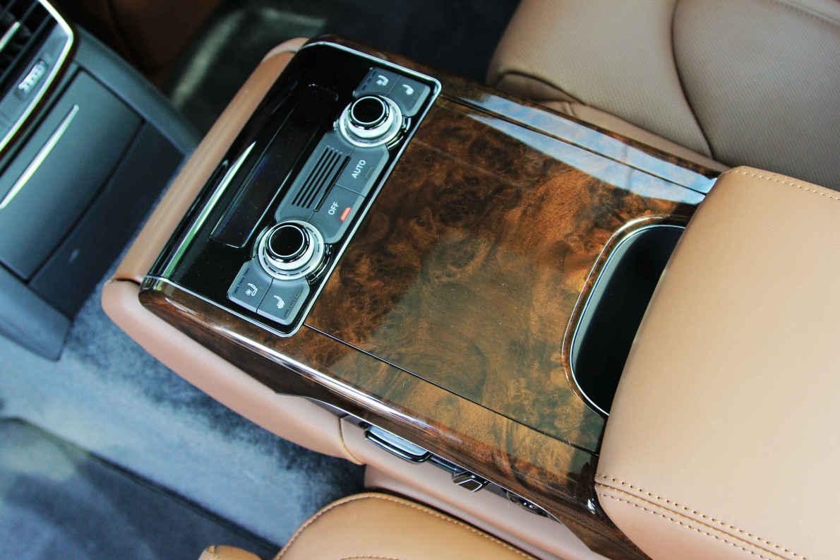 2014款 奥迪A8L 40 Hybrid 实拍 座椅空间