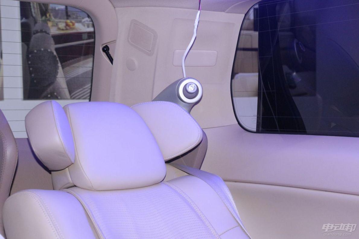 2014广州车展丰田 埃尔法 Hybrid改装车