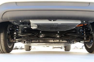 2017款 北汽新能源 EU400 乐享版 珠光白 实拍 动力底盘