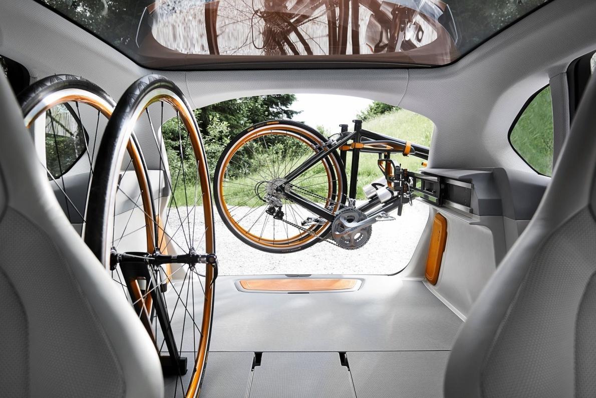 2013款 宝马Active Tourer Outdoor Concept 官图 座椅空间