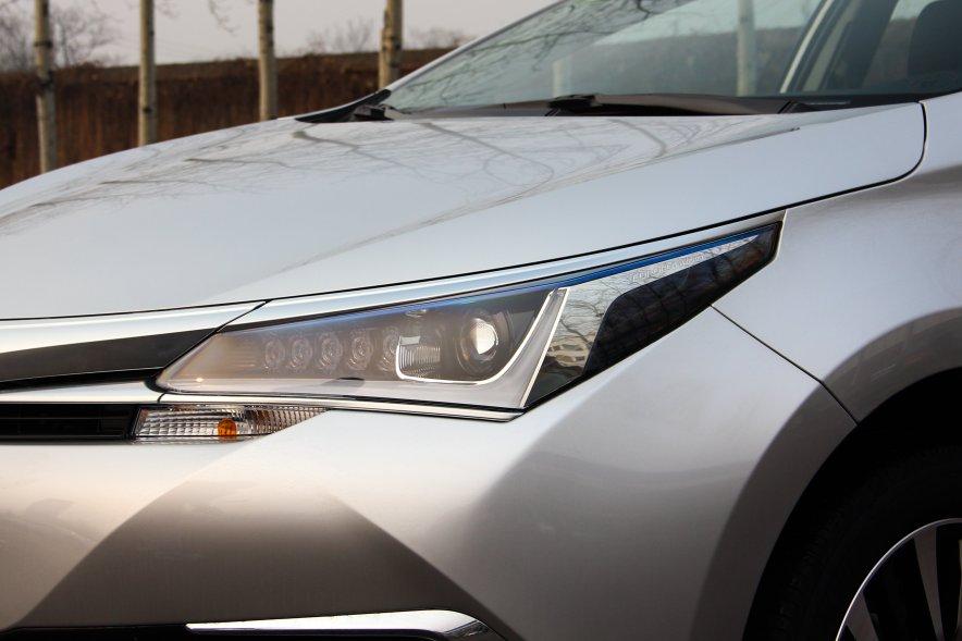 2016款 卡罗拉双擎 旗舰版 实拍 外观细节
