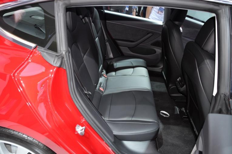 Model 3(进口) 座椅空间