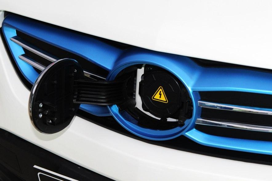 2015款 EV160轻秀版 充电
