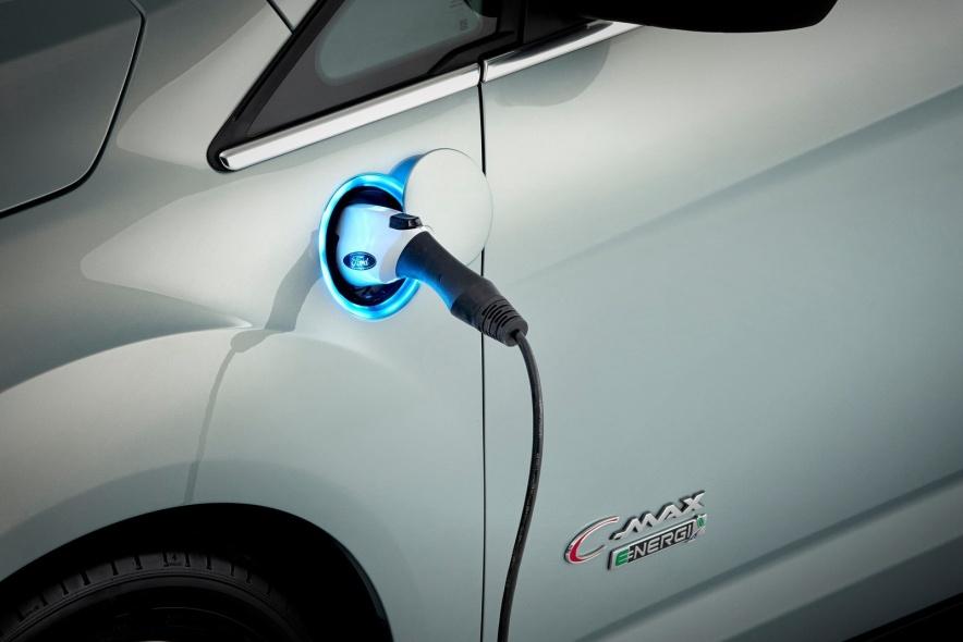 2014款 福特C-MAX Solar Energi Concept 官图 充电