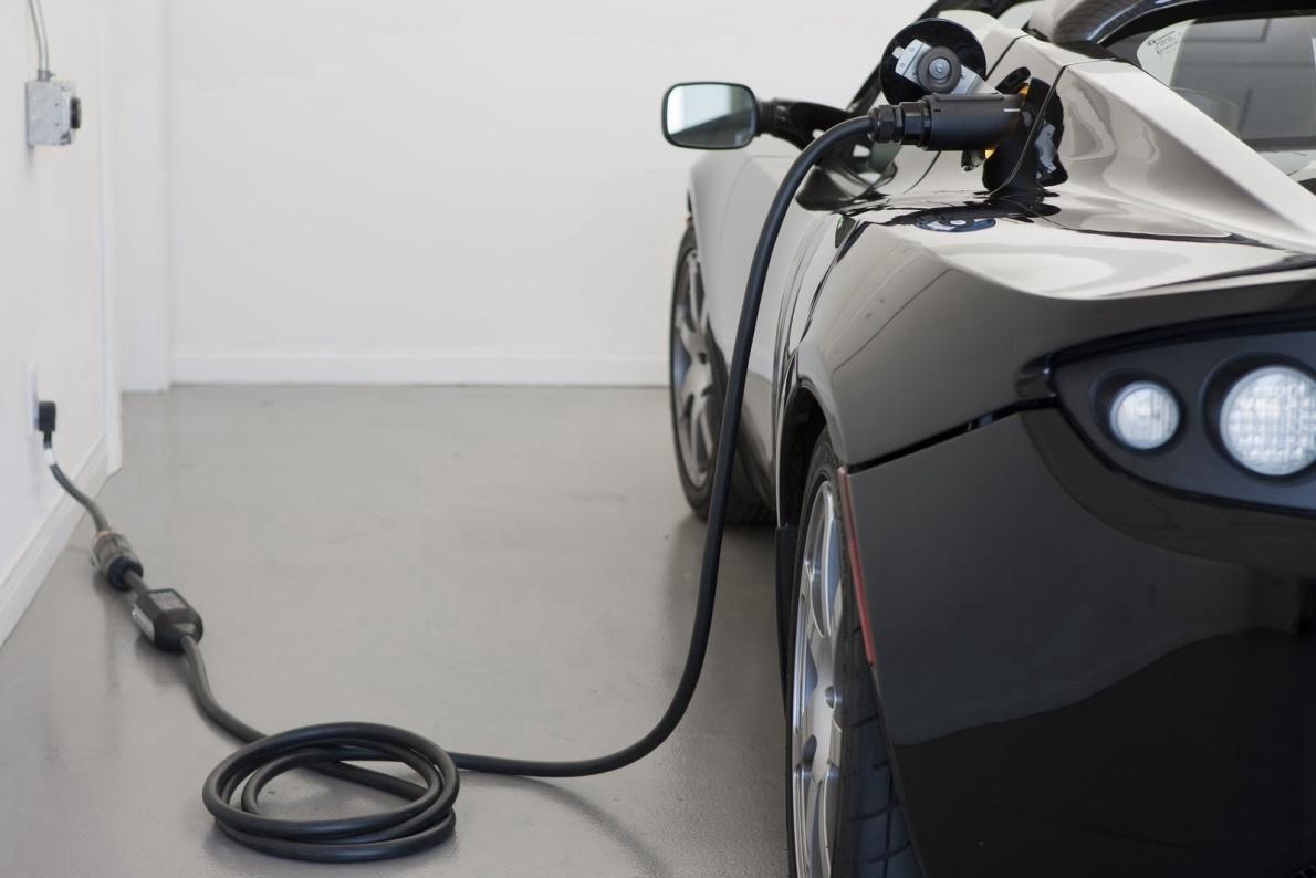 2011款 特斯拉Roadster 2.5 官图 充电