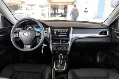 2018款 一汽奔腾 B30 EV 基本型 实拍 内饰