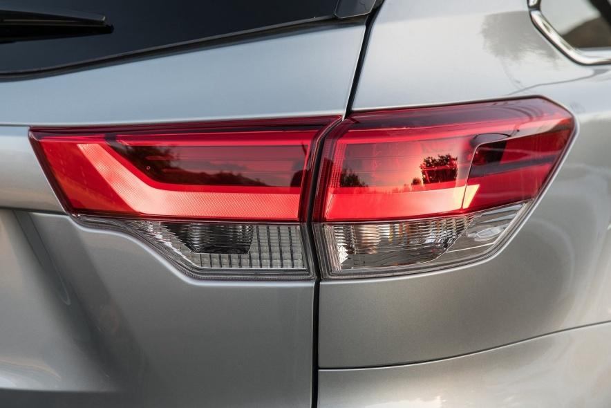 2017款 丰田 汉兰达 Hybrid 官图 外观细节