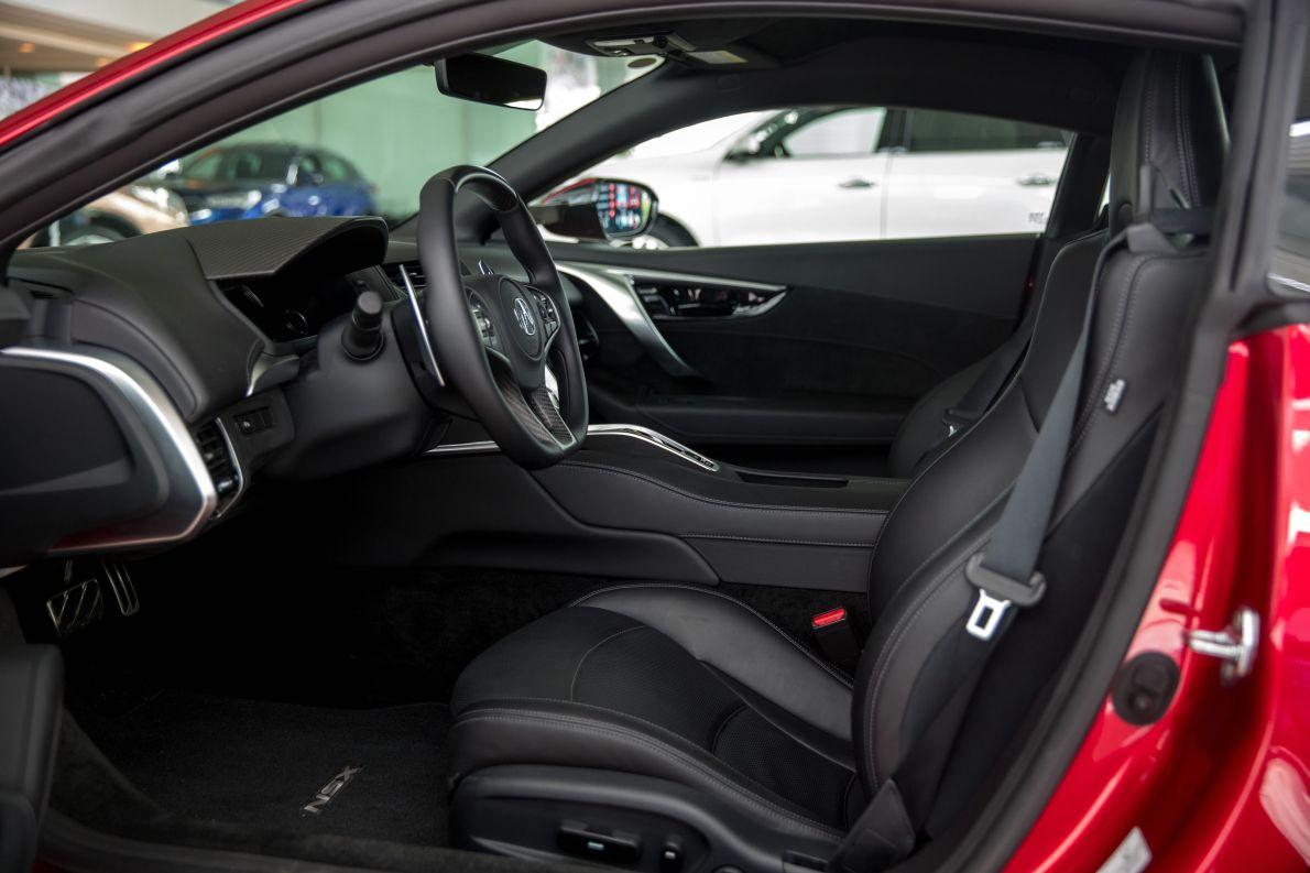 2016款 讴歌 NSX 基本型 红色 实拍 座椅空间