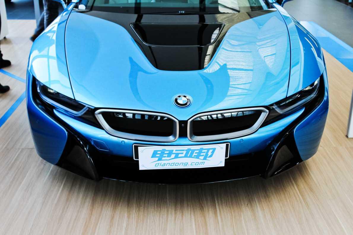 2014款 宝马i8 标准型 质子蓝 实拍 外观细节