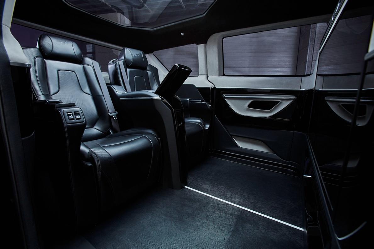 2017款 艾康尼克 ICONIQ Motors 七系 官图 座椅空间