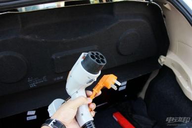 2015款 康迪熊猫K11 充电 实拍