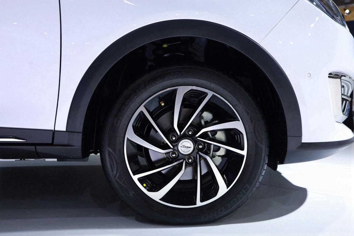 2019 众泰 T300EV ET450 白色 车展 细节