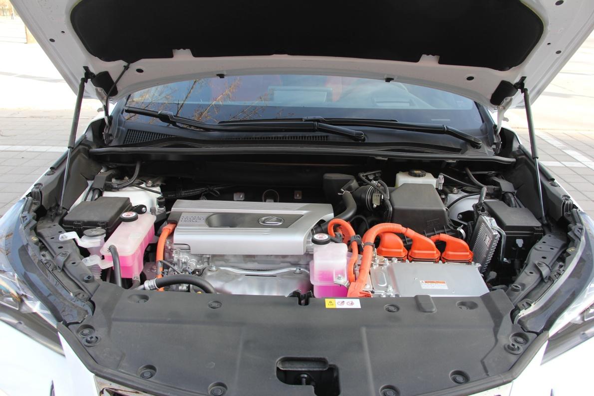 2017款 雷克萨斯 NX300h F SPORT 超音速石英白 实拍 动力底盘