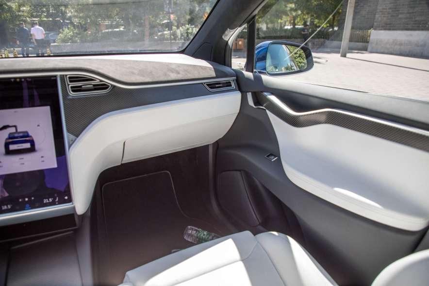 2016款 特斯拉 Model X P100D  深海蓝 实拍 内饰