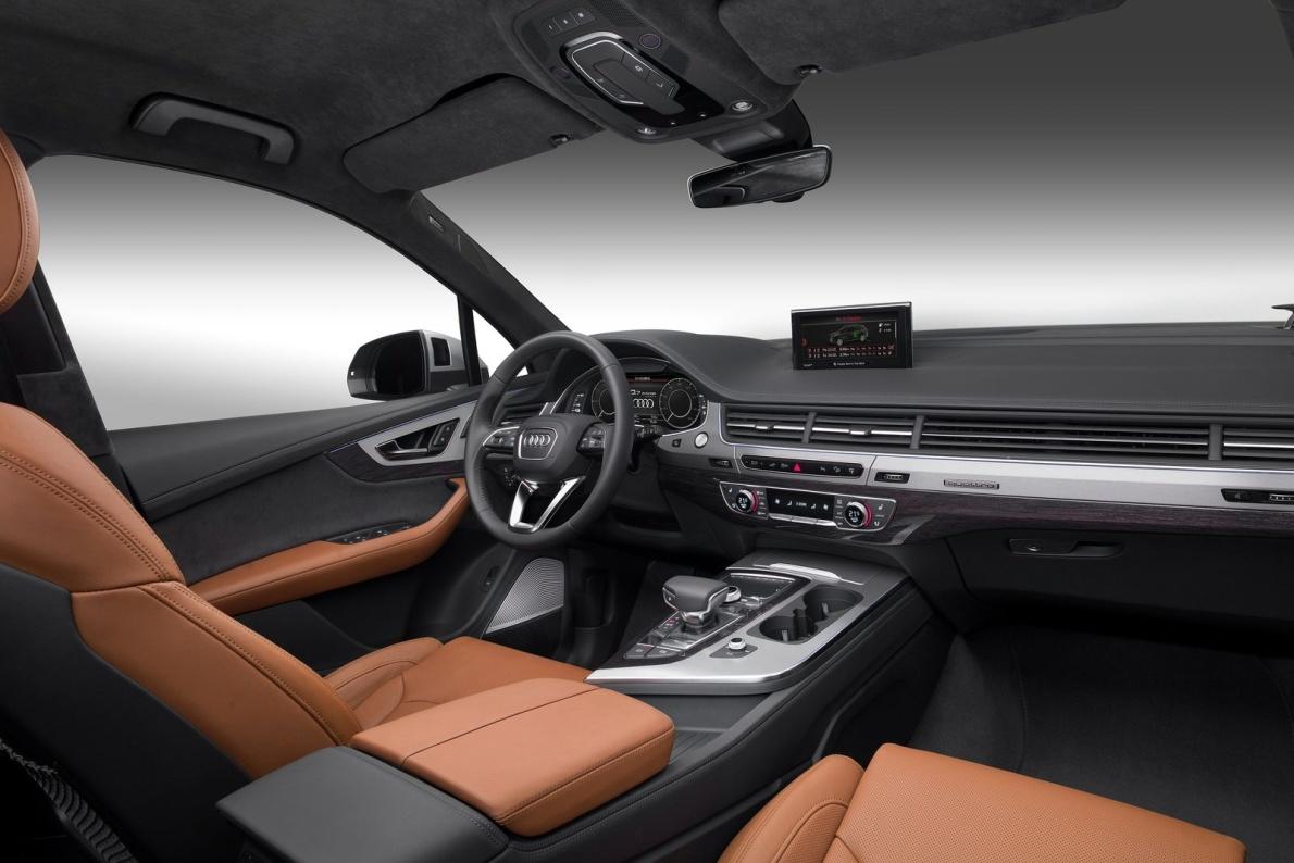 2016款 奥迪Q7 e-tron 3.0 TDI quattro 官图 座椅空间