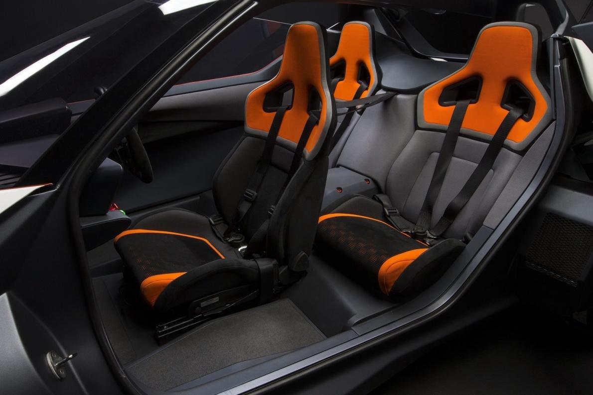 2016款 日产BladeGlider Concept 官图 座椅空间