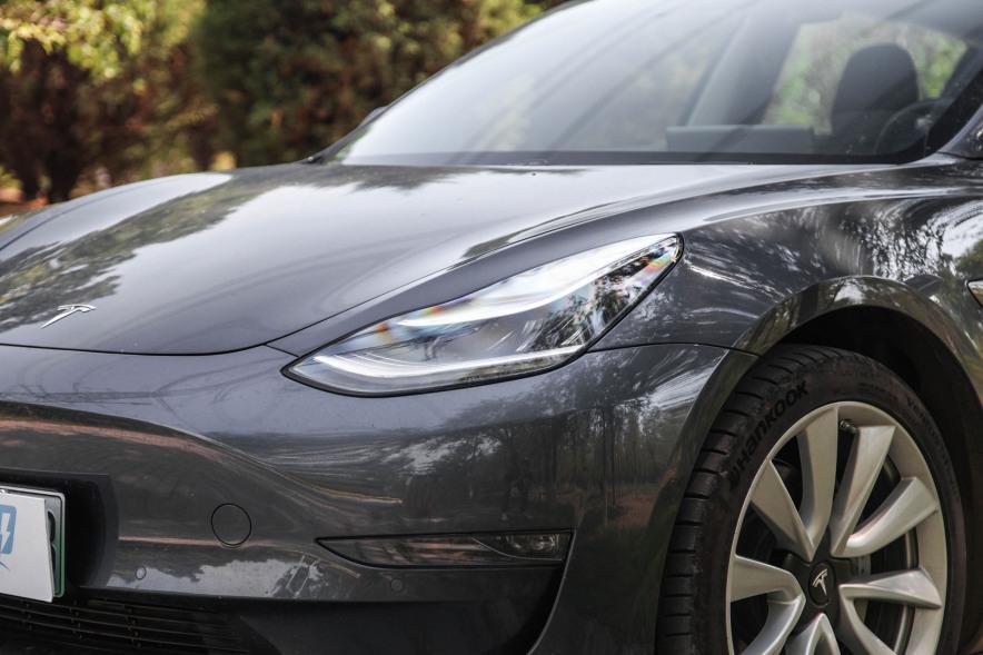 2019款 特斯拉 Model 3 高性能全轮驱动版 灰色