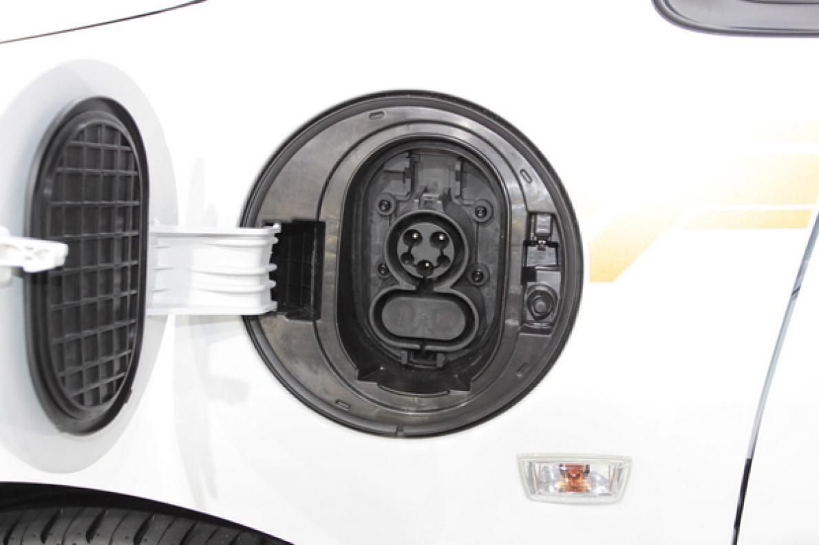 赛欧电动  充电