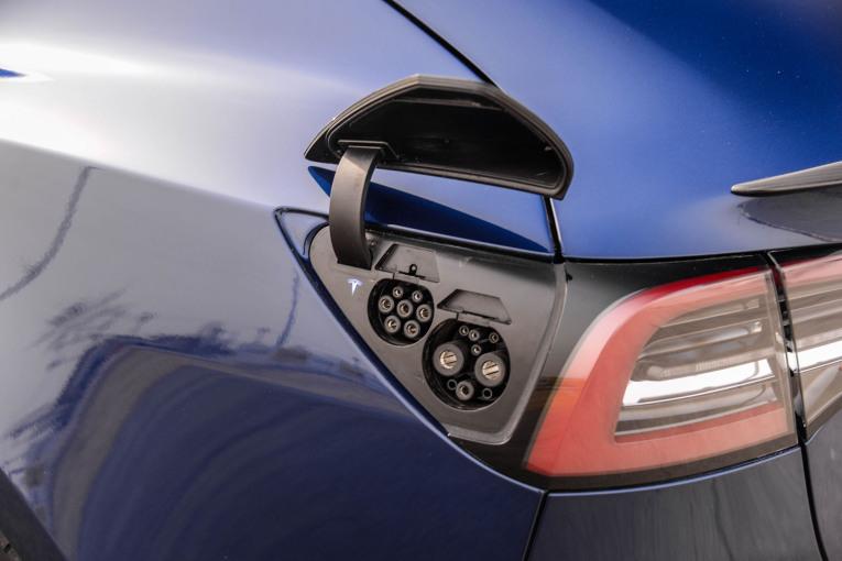 Model 3(进口) 充电