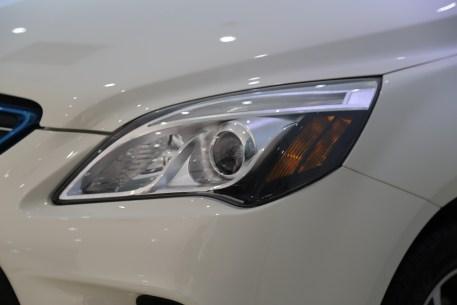 2016款 北汽新能源EV160 轻快版 阿尔卑斯白 实拍 外观细节