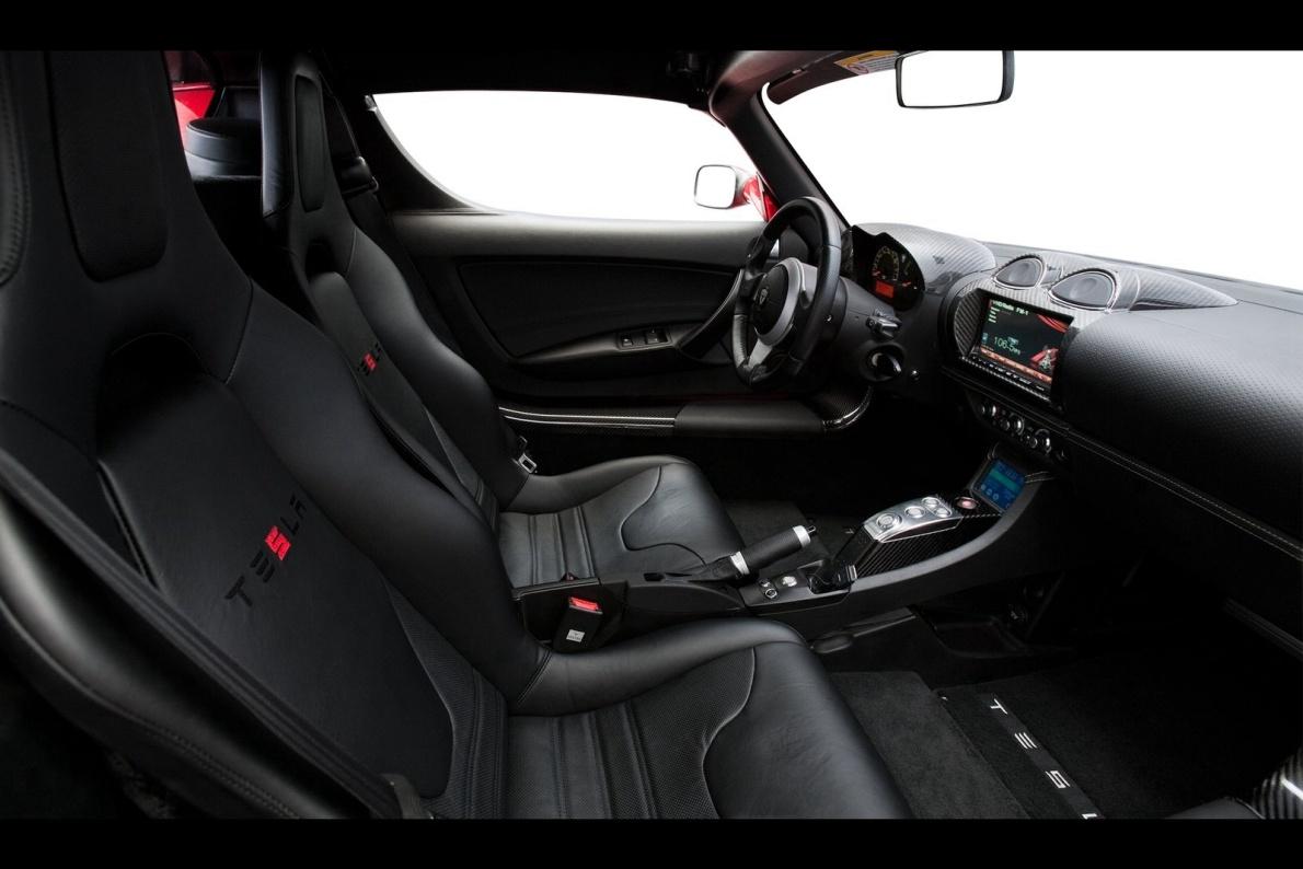 2011款 特斯拉Roadster 2.5 官图 座椅空间