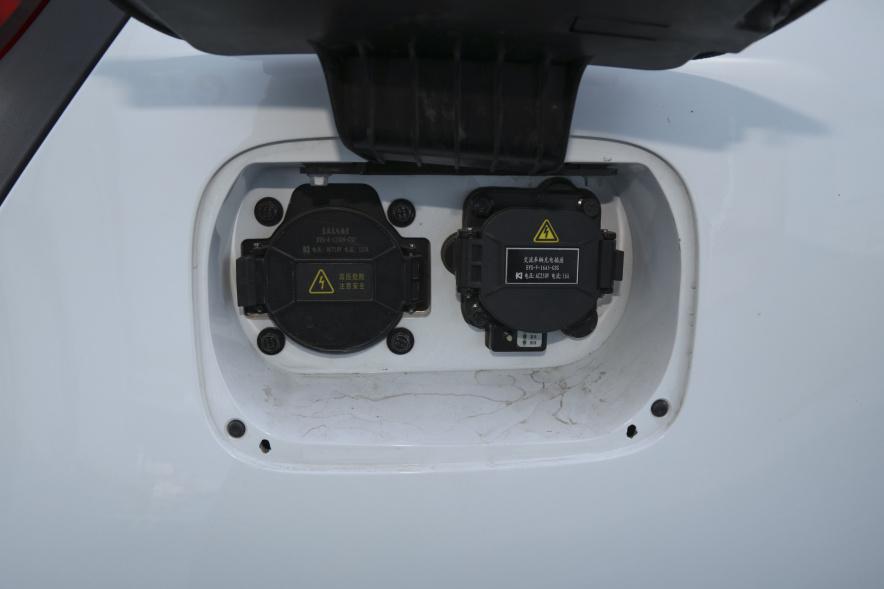 2018 奇瑞新能源 eQ1 小蚂蚁400 智享版 4座 雪域白 实拍 充电