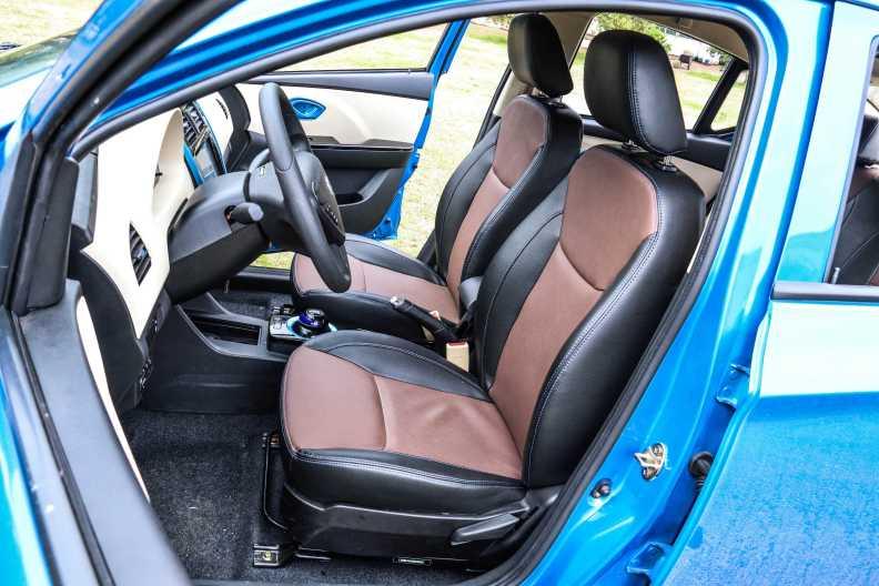 2017款 江铃 E160 舒适版 实拍 座椅空间