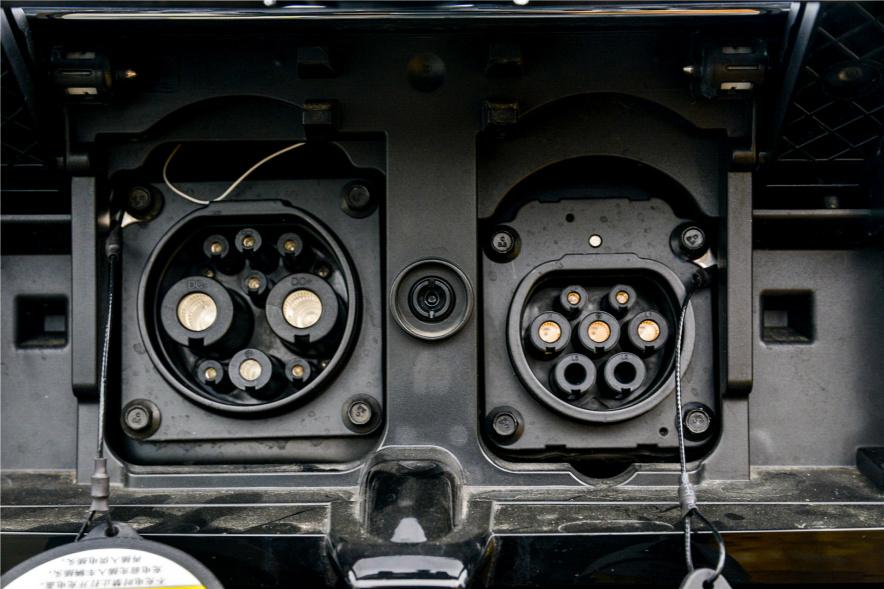 2017款 荣威 ERX5 EV400 电动互联旗舰版 珠光白 实拍 充电